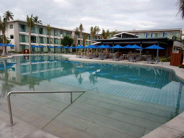Бассейн отеля Пляж отеля OZO Чавенг Самуи